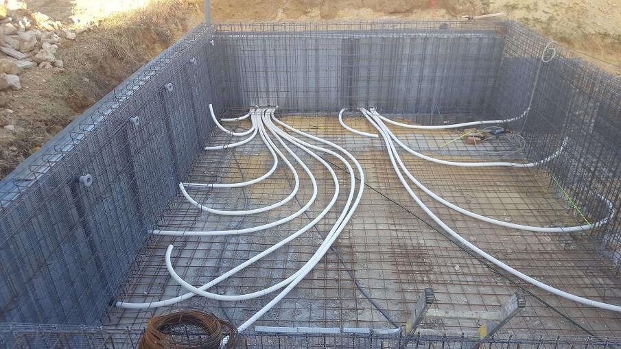 piscine monobloc structure et plomberie