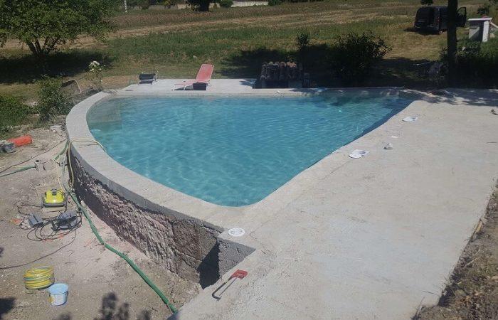 rénovation piscine bassin dans un bassin