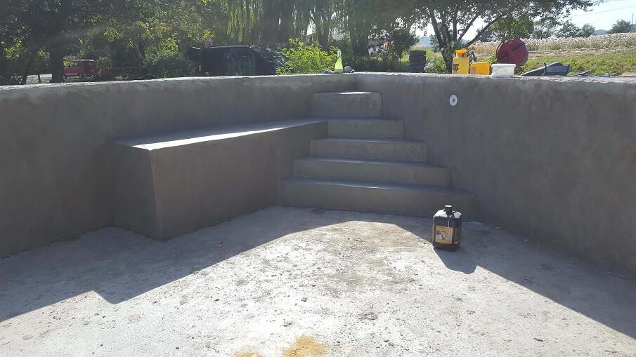 rénovation piscine dans piscine rajout escalier banquette