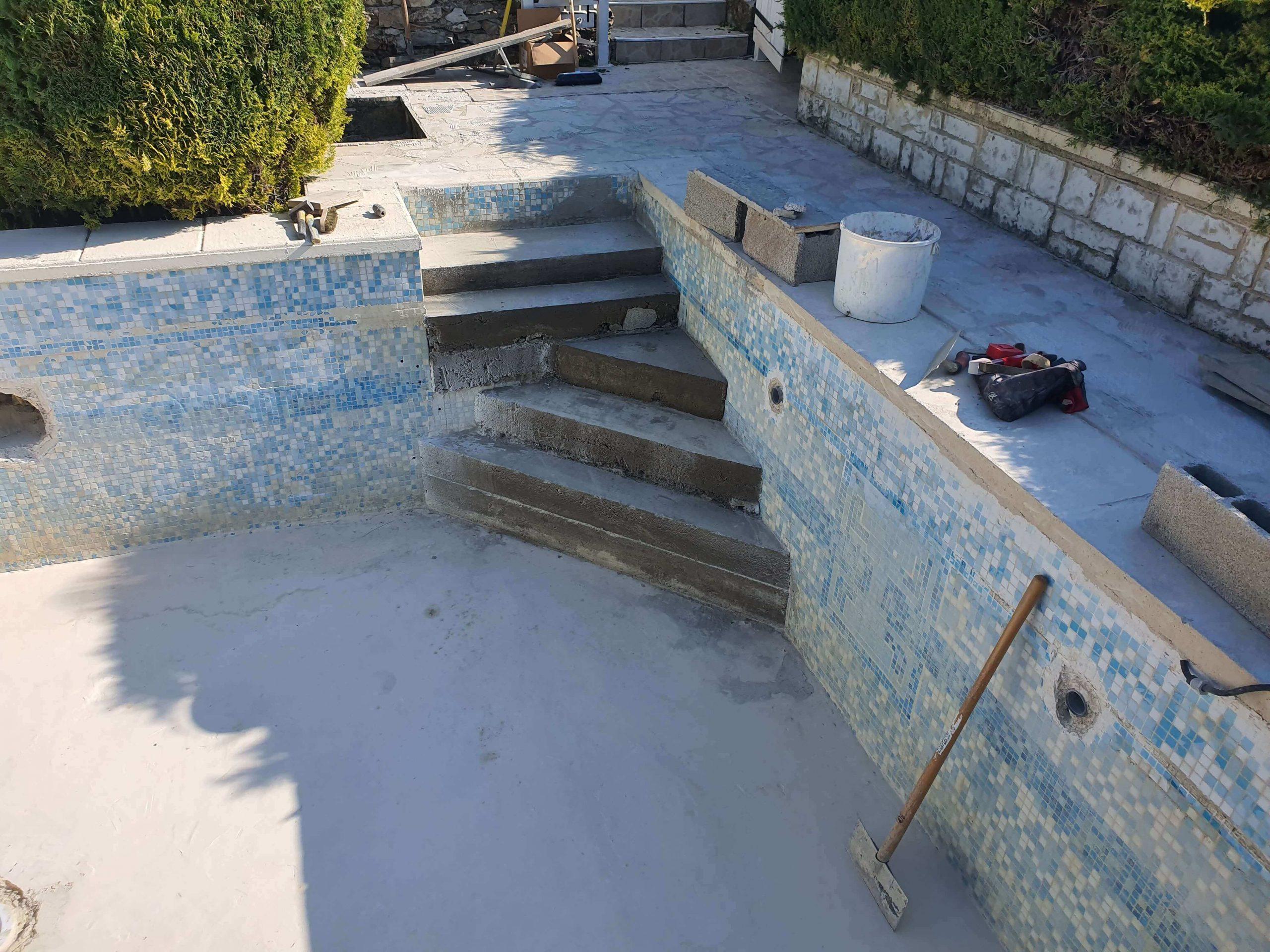 rénovation piscine escalier
